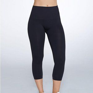 NWT SPANX Look At Me Now Cropped Seamless Leggings